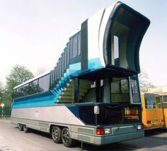 Ikarus prototype bus that was supposed to deliver passengers directly to the aircraft from the early Onibus Marcopolo, 3d Modelle, Bus Coach, Weird Cars, Big Rig Trucks, Unique Cars, Busses, Camping Life, Commercial Vehicle