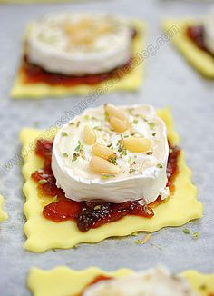pastry with confit of onions and goat cheese