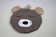 Bouillotte sèche, amusante, tête de chat, chaufferette en  graine de lin et romarin. Bouillotte sèche pour petites douleurs. de la boutique MAcreacouture sur Etsy