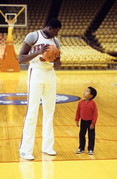 515725b047f Patrick Ewing Meets Webster (via  SI Vault) Basketball Tips