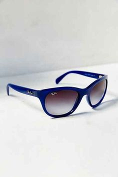 f9f6b36dcc2aa 1004 Best Fashionable outfits images   Ray ban outlet, Round frame ...