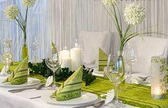 """verschiedene Grüntöne - Tischdekoration """"barockes Grün"""" - meine-hochzeitsdeko.de"""