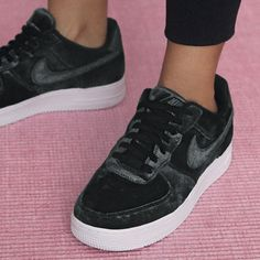 Sneakers women - Nike Air Force 1 velvet black