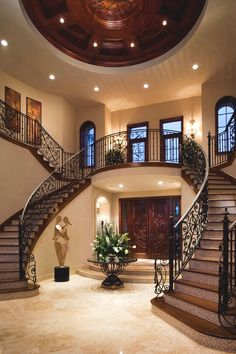 Twin staircase design is a classic that never fails in the grand Mediterranean Dream House Ideas Classic Design fails grand Mediterranean Staircase Twin Style At Home, Dream Home Design, My Dream Home, Luxury Home Designs, Double Staircase, Grand Staircase, Luxury Staircase, Grand Foyer, Grand Entrance