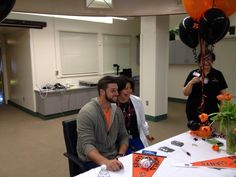 Twitter / SFGiants: George Kontos signing autographs & taking pix for the doctors, nurses, & staff at Sequoia Hospital in Redwood City