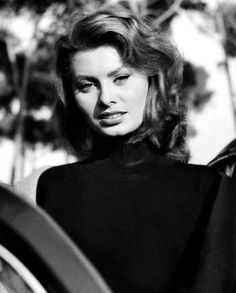 Sophia Loren -- Fantasy Females : Photo