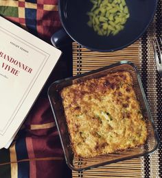 Zapečená Quinoa s cuketou • CukrFree.cz Quinoa, Lasagna, Vegan Vegetarian, Banana Bread, Good Food, Fit, Ethnic Recipes, Desserts, Deserts