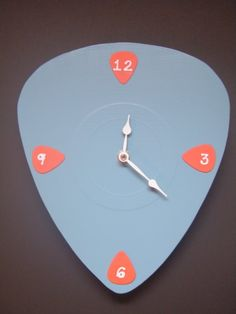 rock and roll guitar pick clock Cool Guitar Picks, Music Clipart, Music Bedroom, J Birds, Rock And Roll Fantasy, Unusual Clocks, Bored At Home, Teen Girl Bedrooms, Crafty Projects