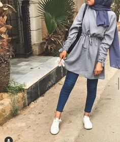 Casual Maternity Outfits, Uni Outfits, Mode Outfits, Trendy Outfits, Fashion Outfits, 80s Fashion, Fashion Tips, Pakistani Fashion Casual, Modern Hijab Fashion