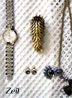 #Outfit #AccesoriosdeModa #RelojesDeModa #Fashion #Otoño #ModaMéxico  www.lacasadelreloj.com.mx