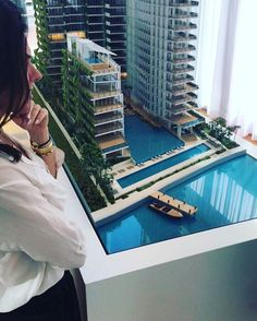 #Repost @robertaingletto  Touring new developments in Miami Beach. #conciergerealtybrokers #luxuryrealestate #luxurylifestyle #miamirealestate #contactustoday
