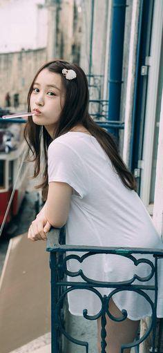 #乃木坂46 #星野みなみ Beautiful Japanese Girl, Asian Beauty, Iphone Wallpaper, Feminine, Celebrities, Sexy, Model, Photography, Women's
