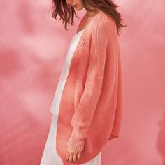 Beautiful basics! This cardigan is perfect for spring/summer season! Pick your favourite colour of this complete Essentials Cotton Cardigan Knit Kit!