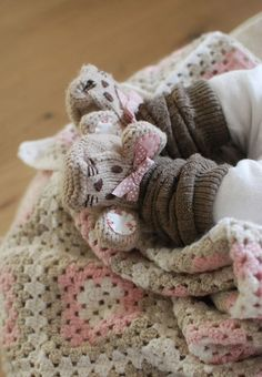 Mice slippers for baby.