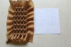How to do canadian smocking matrix design - Art & Craft Ideas Smocking Tutorial, Smocking Patterns, Dress Sewing Patterns, Fabric Manipulation Techniques, Textiles Techniques, Sewing Techniques, Fabric Crafts, Sewing Crafts, Sewing Projects