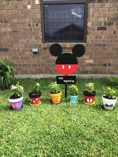 My Backyard Goes Disney . My Backyard Goes Disney . Disney Diy, Deco Disney, Disney Home Decor, Disney Crafts, Flower Pot Crafts, Clay Pot Crafts, Flower Pots, Flowers Garden, Garden Crafts