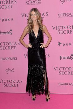 Behati Prinsloo Photos - Behati Prinsloo attends the pink carpet of the 2014 Victoria's Secret Fashion Show on December 2014 in London, England. - Arrivals at the Victoria's Secret Fashion Show Behati Prinsloo, Pink Carpet, Gala Dresses, Celebrity Red Carpet, Celebrity Style, Vogue Australia, Victoria Secret Fashion Show, Red Carpet Fashion, Beautiful Gowns