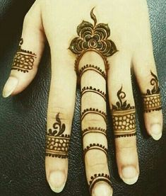 Today I will let you comprehend something about the latest trends in Floral Henna Design as I have amazing designs for you. Henna Flower Designs, Finger Henna Designs, Mehndi Designs For Fingers, Flower Henna, Beautiful Henna Designs, Latest Mehndi Designs, Simple Mehndi Designs, Henna Tattoos, Henna Tattoo Designs