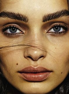 leah-cultice: Luma Grothe by David Oldham for Grazia France November 2015 Beauty Photography, Portrait Photography, Bold Eyebrows, Luma Grothe, Close Up Faces, Beauty Around The World, Brown Makeup, Brazilian Models, November 2015