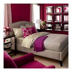 I'd love to make my sister's room look like this. She does not know how to decorate properly. :) Hehe
