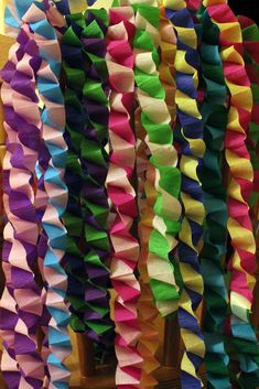 a little tutorial on how to make Paper Chains