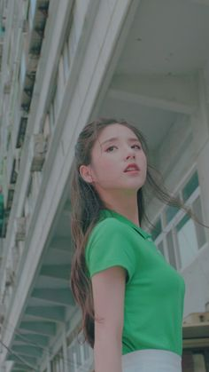 Kpop Girl Groups, Korean Girl Groups, Kpop Girls, Chuu Loona, Walpaper Iphone, Olivia Hye, South Korean Girls, Really Cool Stuff, My Girl