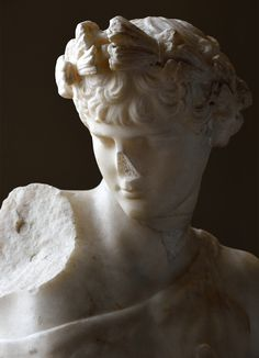 Antinous as Dionysus (close-up). Pentelic marble. Inv.No. M.C. 897 / II.78. Rome, Capitoline Museums, Museum Montemartini (Centrale Montemartini). (Photo by I. Sh.).