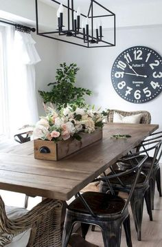 70+ Farmhouse Dining Room Table & Decorating Ideas