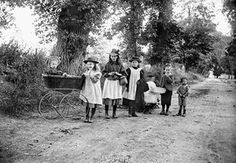 Country lane, Dinton, Buckinghamshire, 1904. Child on the left in a rather basic perambulator, which was thought to be good for children's health
