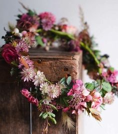 So Pretty, Wreaths don't have to be hung, I love this~❥