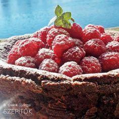 Pillekönnyű málnás-csokoládés trüffeltorta. Lisztmentes desszert | Szépítők Magazin