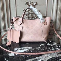Vuitton Bag, Lv Handbags, Louis Vuitton Handbags, Luxury Handbags, Designer Handbags, Designer Bags, Lv Bags, Calf Leather, Designer Purses