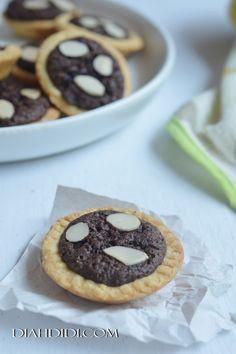 Diah Didi's Kitchen: Kue Putri Salju Isi Kismis | Kuker. Cookies ...