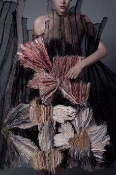 """opaqueglitter: """" Created by Andras Berecz for Hungarian fashion student Lilla Csefalvay's diploma work (vanitas) Photographed by Istvan Varfi. Vanitas, Mode Chic, Mode Style, Textile Design, Textile Art, Textiles Y Moda, Moda Floral, Mode Costume, Student Fashion"""