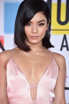 Gabriela Montez, Vanessa Hudgens Hair, How To Look Attractive, American Music Awards, Beautiful Celebrities, Female Celebrities, Celebrities Fashion, Good Skin, Easy Hairstyles