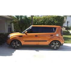 """Flash back Friday goes to when I finally installed my lowering springs  -  #kiasoul #boxedlifestyle #kdmstance #kdm #coolbox #baggedsoul #kia #soul #soulhamsters #lunchbox #lowered #slammed #bagged #cosmisracing #cosmis #kdmgang #kdmlife #d2bdmotorwerks #dare2bedifferent #soulkulture #boxmovement #vankulture #wagonsteez #thesquaresquad #slammedsuvs #wagonnation"" Photo taken by @spencerdc on Instagram, pinned via the InstaPin iOS App! http://www.instapinapp.com (07/24/2015)"