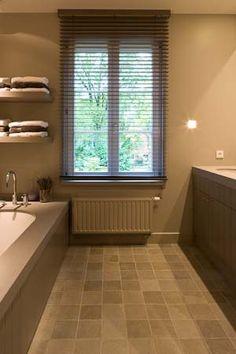 LG-Kultuz-Kapellen-93 Bathroom Toilets, House Inside, Bathroom Inspo, Cosy House, New Homes, House, Building A House, Bathroom Design, Bathroom