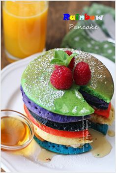 Cuisine Paradise | Singapore Food Blog - Recipes - Food Reviews - Travel: Rainbow Pancake Vs Geen Pig Pancake