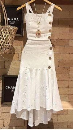 Amei estes looks Simple Dresses, Cute Dresses, Casual Dresses, Party Dresses, Chic Outfits, Trendy Outfits, Hijab Fashion, Fashion Dresses, Vetement Fashion