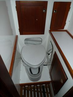 Hallberg Rassy Rasmus Toilet Installation, Yacht Interior, Boats, Interiors, Sailing, Ships, Decoration Home, Decor, Boat