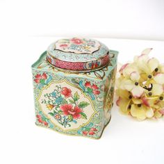 Vintage Cookie Tin Daher Decorative Tea Tin Metal by WhimzyThyme, $12.95