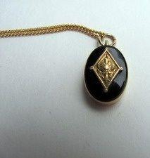 Pi Phi crest necklace #piphi #pibetaphi