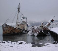 "odditiesoflife: "" The Abandoned Ghost Continent of Antarctica Antarctic spirits have an abundance of residences to choose from thanks to the huge number of ghost towns, deserted islands and other such. Abandoned Ships, Abandoned Buildings, Abandoned Places, Abandoned Castles, Abandoned Mansions, Abandoned Cars, Ghost Ship, Old Boats, Shipwreck"