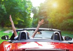 Cleaning your car can turn you into a fanatic ecologist. Here's why Eco Green Auto Clean is among the newest positive discoveries. Woman Mechanic, Assurance Auto, American Auto, Clean Your Car, Budget, Auto Service, Party Activities, Car Shop, Fuel Economy