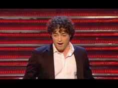 Lee Mead - New York, New York  http://youtu.be/aQhB-EQY2xc
