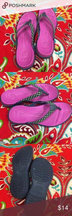 Croc flops Women's size 8 Super cute Croc flops Women's size 8, love them but after having my daughter my feet have grown so I can't wear them anymore. 😕 EUC only wore a few times. Fuchsia, navy blue & lime green CROCS Shoes Sandals