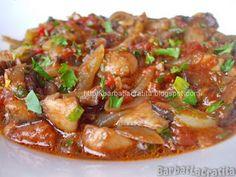 ciulama de ciuperci de post Romanian Food, Romanian Recipes, Pork, Beef, Chicken, Travel, Kale Stir Fry, Meat, Viajes