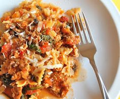 Chef Mommy: Whole Grain Pasta with Turkey and Spinach Ragu