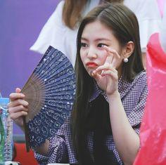 Jennie ~ so cute <3