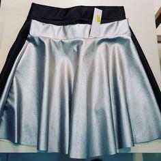 #gonnellina #ecopelle #argento #nero #valeria #abbigliamento